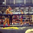 """""""Un match de boxe thaï - Johnny Hallyday en famille en Thaïlande, décembre 2015."""""""