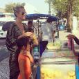 """""""Laeticia et ses filles à Bangkok - Johnny Hallyday en famille en Thaïlande, décembre 2015."""""""