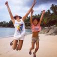 """""""Jade et Joy sur une plage de Phuket - Johnny Hallyday en famille en Thaïlande, décembre 2015."""""""