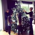 """""""Les Hallyday décorent leur sapin de Noël dans leur propriété de Marnes-le-Coquette près de Paris, photo postée le 1er décembre 2015."""""""