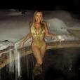 Mariah Carey en vacances à Aspen pose en bikini. Photo postée sur Instagram le 28 décembre 2015.
