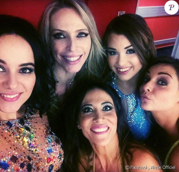 Alizée, Tonya Kinzinger, Fabienne Carat, EnjoyPhoenix et Priscilla le 9 janvier 2016 à Marseille, dans les coulisses de la tournée Danse avec les stars.