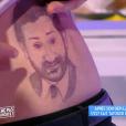 """Julien Lepers s'est fait tatouer le visage de Cyril Hanouna dans """"Touche pas à mon poste"""" sur D8. Le 13 janvier 2016."""
