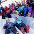 Le prince Sverre Magnus et sa mère la princesse Mette-Marit - La famille royale de Norvège participe aux activités de sports d'hiver organisées devant le palais royal lors des festivités pour le 25ème anniversaire de règne du roi Harald de Norvège à Oslo, le 17 janvier 2016. 17/01/2016 - Oslo