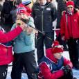 La princesse Mette-Marit et sa fille la princesse Ingrid Alexandra - La famille royale de Norvège participe aux activités de sports d'hiver organisées devant le palais royal lors des festivités pour le 25ème anniversaire de règne du roi Harald de Norvège à Oslo, le 17 janvier 2016. 17/01/2016 - Oslo
