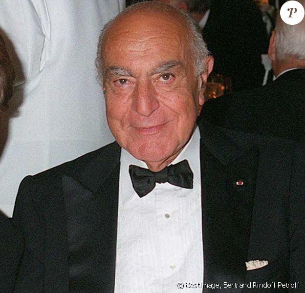 Alexandre Reza avec Yaguel Didier lors de la Nuit du Jasmin à Paris en octobre 1999. Le joaillier du gotha est décédé le 15 janvier 2016 à 93 ans.