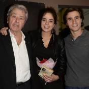 """Alain Delon : Papa fier pour soutenir Anouchka, un """"papillon"""" amoureux"""