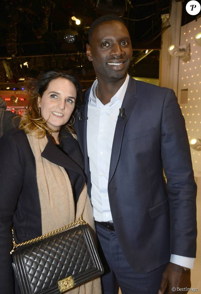 omar sy et sa femme h l ne enregistrement de l 39 mission vivement dimanche paris le 20. Black Bedroom Furniture Sets. Home Design Ideas