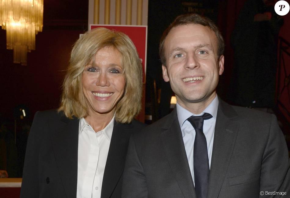 Extrêmement Emmanuel Macron et sa femme Brigitte Trogneux - Générale de la  FN99