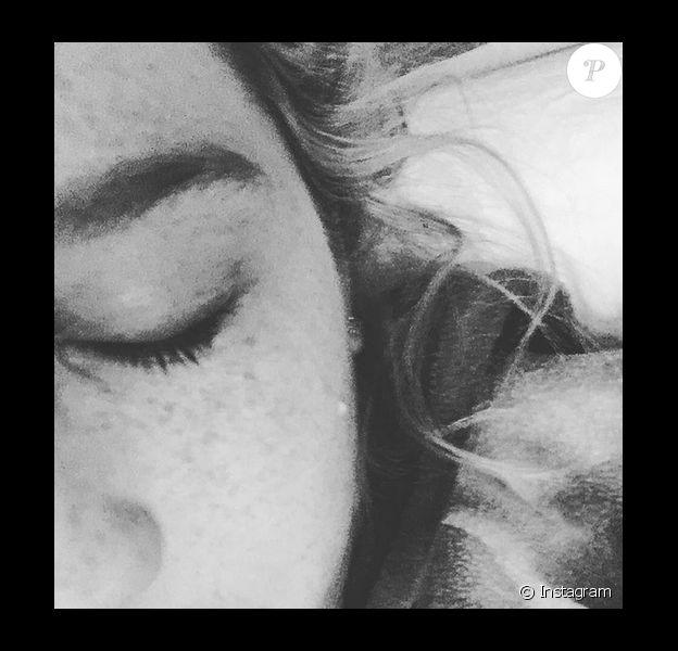 Kesha a publié une photo d'une larme sur sa page Instagram, après que son procès ait été repoussé alors que ses fans étaient venus la soutenir devant le tribunal, au mois de janvier 2016.