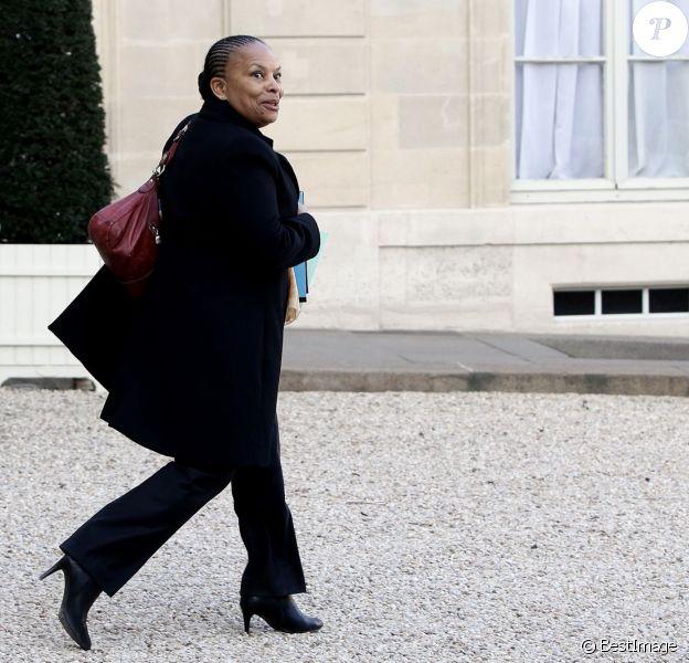 Christiane Taubira - Sorties du conseil des ministres du mercredi 20 janvier au palais de l'Elysée à Paris. Le 20 janvier 2016 © Stéphane Lemouton / Bestimage