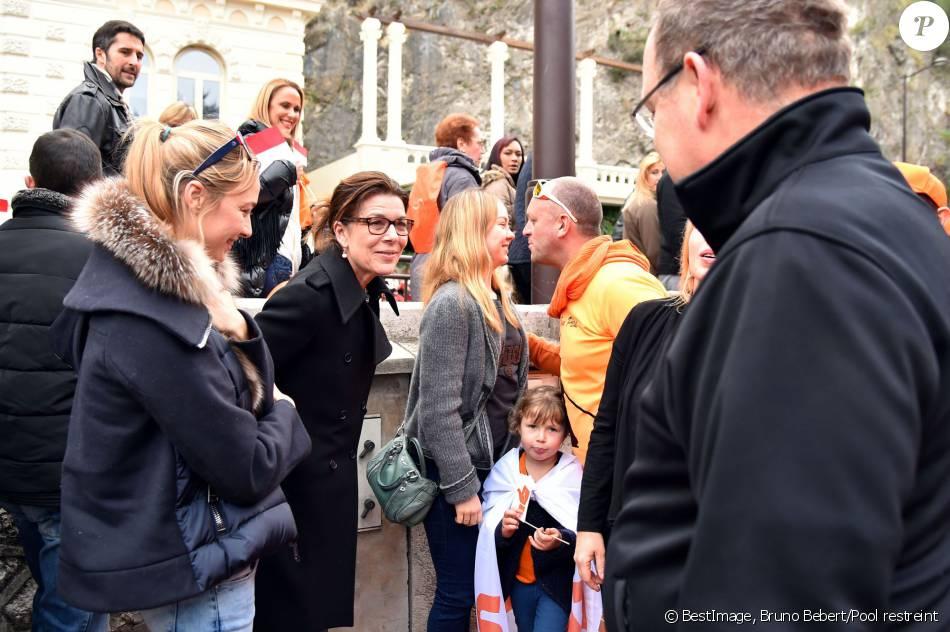 La princesse Caroline de Hanovre, sa fille la princesse Alexandra et sa belle-fille Beatrice Borromeo se sont jointes au prince Albert II de Monaco lors de la deuxième marche organisée par la Fondation Flavien à l'occasion de la Journée Internationale des Cancers Pédiatriques et des Maladies Rares à Monaco le 31 janvier 2016. © Bruno Bebert / Pool Restreint / Bestimage