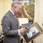 Prince Charles : Stupéfait en découvrant une photo de sa mère Elizabeth à 13 ans