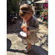 Mélia, la petite fille de Karim Benzema, et son sac à mains - photo publiée le 21 juin 2015