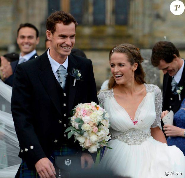 Andy Murray et Kim Sears lors de leur mariage à la Dunblane Cathedral le 11 avril 2015