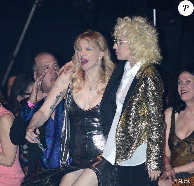 """Courtney Love et Lady Gaga assistent au défilé """"Saint Laurent at the Palladium"""" à l'Hollywood Palladium. Los Angeles, le 10 février 2016."""