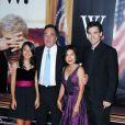 Oliver Stone et sa famille à la première de W, à New York, le 14/10/08