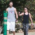 Exclusif - Lea Michele et son chéri Matthew Paetz se promènent au TreePeople Park à Studio City, le 25 octobre 2014.