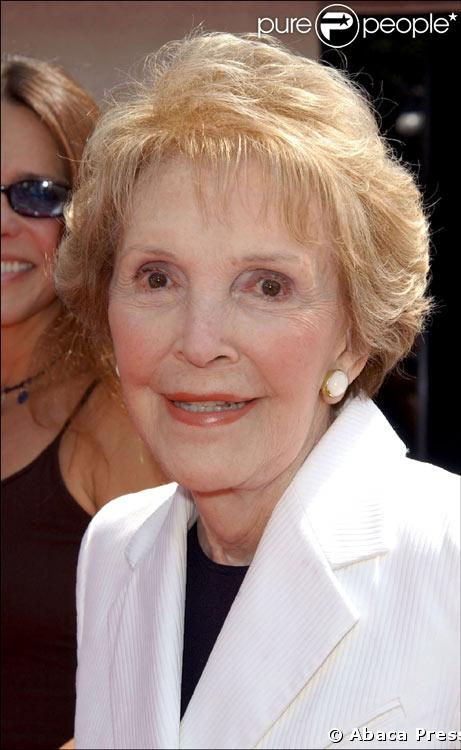 http://static1.purepeople.com/articles/5/17/29/5/@/86778-nancy-reagan-637x0-1.jpg