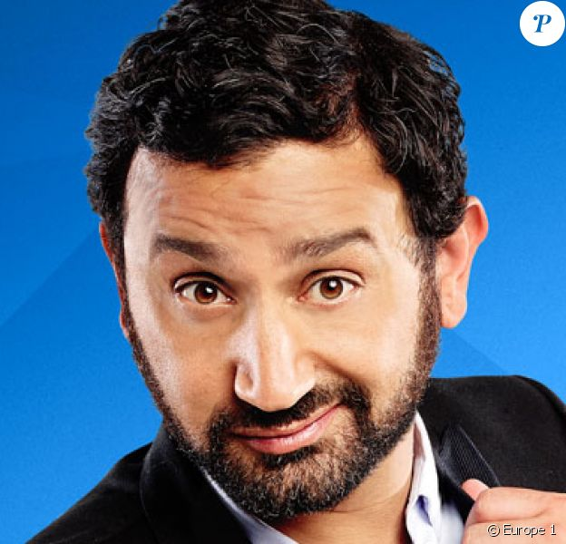 Cyril Hanouna pose pour Europe 1.