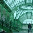 """Image du clip """"Toujours debout"""" de Renaud, février 2016."""