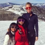 Laeticia Hallyday dévale les pistes avec ses filles après le triomphe de Johnny