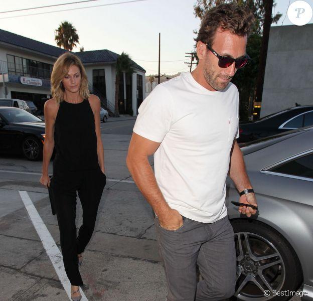 Erin Andrews et son compagnon Jarret Stoll à la sortie du restaurant Craig à West Hollywood, le 28 juillet 2015