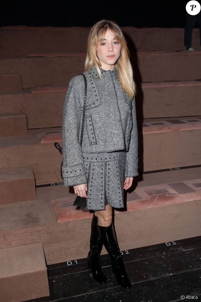 Alice isaaz assiste au d fil valentino collection pr t for Pret a porter uk