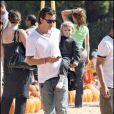 Gavin Rossdale et son fils au Mr Bones Pumpkin Patch