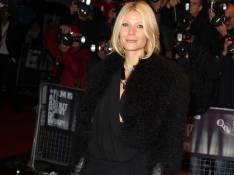 REPORTAGE PHOTOS : Gwyneth Paltrow fait sa promo en tenue de deuil... Affectée par le divorce de sa copine Madonna ?