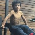Cristiano Ronaldo Junior, 5 ans, en pleine séance de muscu, photo Instagram mars 2016.