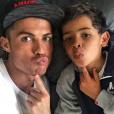 "Cristiano Ronaldo et son fils Cristiano Junior, ""humeur du dimanche"", photo Instagram mars 2016."