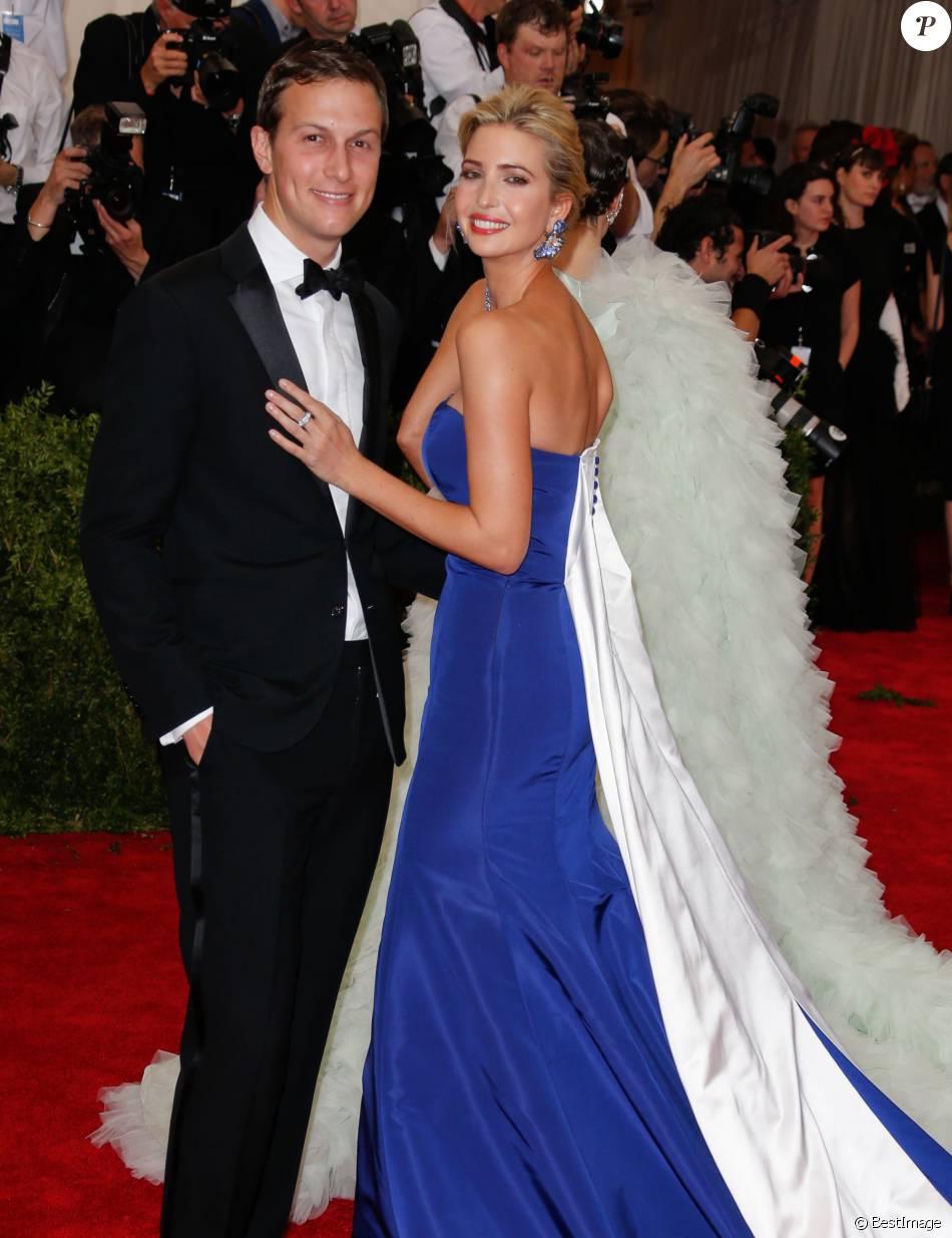 Jared Kushner et sa femme Ivanka Trump lors de la Soirée Costume Institute Gala 2015 (Met Ball) au Metropolitan Museum, célébrant louverture de Chine à