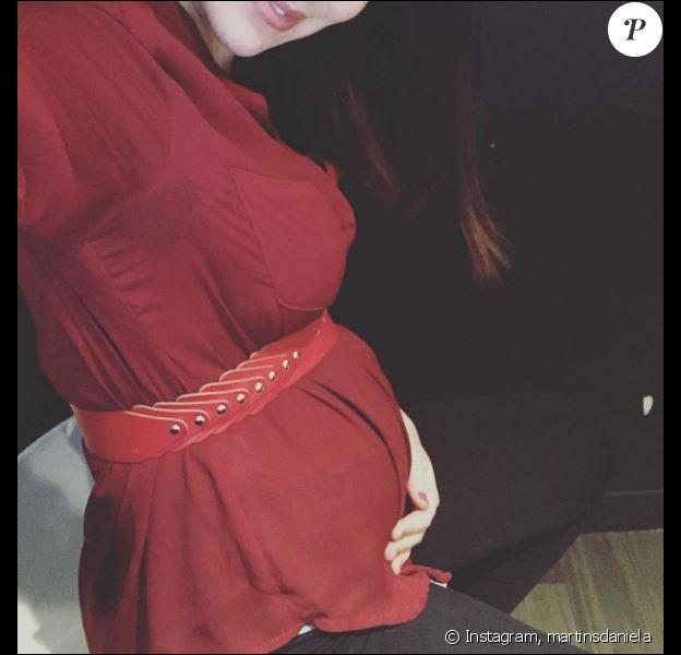 Daniela Martins enceinte : l'ancienne candidate de Secret Story dévoile son baby bump sur Instagram, le 30 mars 2016