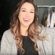 EnjoyPhoenix adopte une nouvelle coupe de cheveux : elle craque pour des extensions