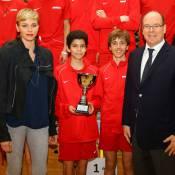 Monaco : Charlene et Albert de rallye, Caroline de kermesse