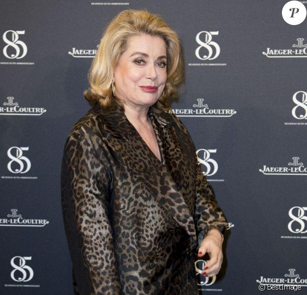 Catherine Deneuve - Photocall du 85e anniversaire de la montre Jaeger-LeCoultre Reverso à Genève le 18 janvier 2016