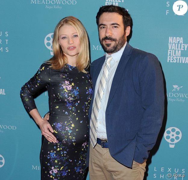 Emilie de Ravin et son compagnon Eric BIlitch lors du Celebrity Tribute Program du Napa Valley Film Festival à Yountville, le 13 novembre 2015