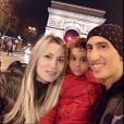 """""""Photo d'Angel di Maria, son épouse Jorgelina Cardoso et leur fille Mia publiée le 17 décembre 2015."""""""