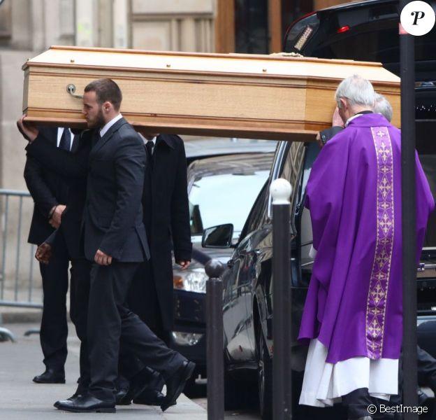 Les obsèques de Laurence Chirac, fille de Jacques et Bernadette Chirac morte le 14 avril 2016, ont été célébrées le 16 avril 2016 en la basilique Sainte-Clotilde à Paris. La défunte a ensuite été inhumée dans la plus stricte intimité familiale au cimetière du Montparnasse © Crystal Pictures/Bestimage