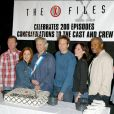 Annabeth Gish avec David Duchovny et Gillian Anderson lors de la 200eme de la serie X-Files en 2002