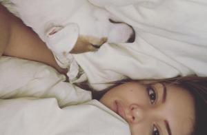 Nabilla : Sublime au naturel, son selfie au réveil