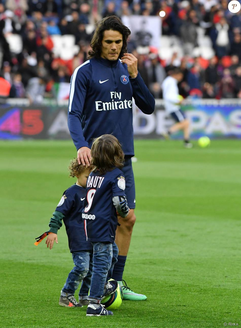 edinson cavani with Edinson Cavani Avec Ses Fils Bautista Et M2296867 on Diego Maradona Paris Saint Germain Striker Kylian Mbappe The Revelation Of Football 1 likewise Edinson Cavani Signs Contract Extension With Psg likewise Edinson Cavani furthermore Neymar Stars Psg Rout Bayern Munich moreover Psg Players Will Earn A Whopping E450k 370k If They Eliminate Chelsea Le Parisien.