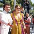 L'équipe du film American Honey monte les marches du Palais des Festivals lors du Festival de Cannes le 15 mai 2016