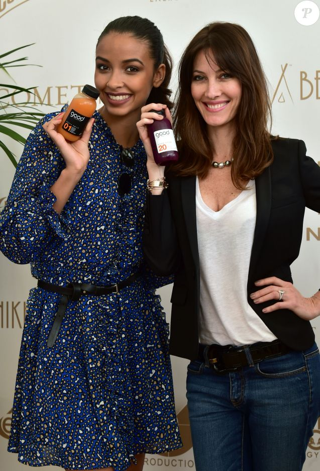 "Exclusif - Les belles Maréva Galanter et Flora Coquerel posent sur la Plage du Nikki Beach pour présenter les jus de fruits ""Good"" durant le 69 ème Festival International du film de Cannes le 13 mai 2016. © Gian Gorassini / Bestimage"