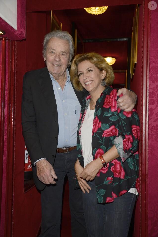 """Alain Delon et Corinne Touzet - 100ème de la pièce """"un nouveau départ"""" au Théâtre des Variétés à Paris le 19 mai 2016. © Coadic Guirec/Bestimage"""