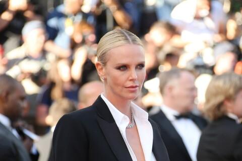 Cannes 2016 : Charlize Theron, chemise déboutonnée face à Adèle Exarchopoulos