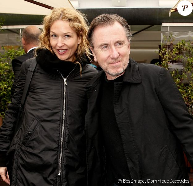 Tim Roth et sa femme Nikki aux Internationaux de France de tennis de Roland-Garros à Paris le 23 mai 2016. © Dominique Jacovides/Bestimage