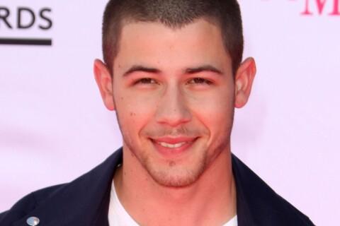 """Nick Jonas : Le sexe gay ? """"Je ne dirai pas que j'en ai pas fait..."""""""