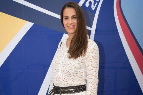 Elisa Tovati se prête aux Jeux, devant Kamel Belghazi et sa chérie enceinte